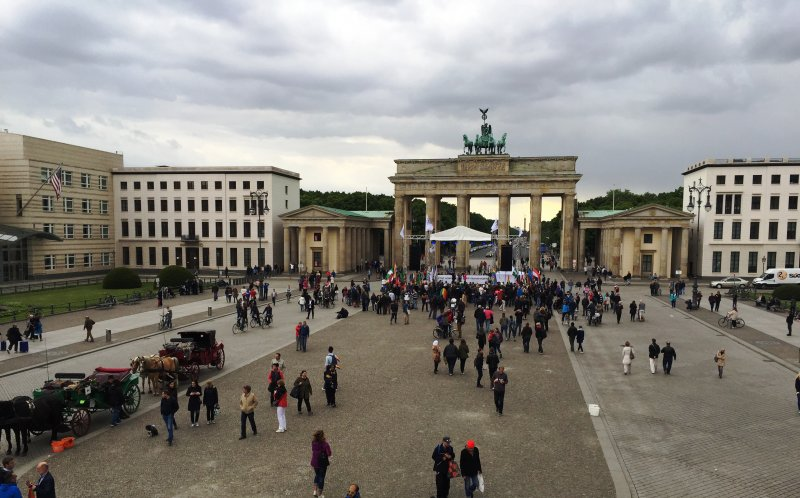 BerlinBrandenburgGate-17May2015