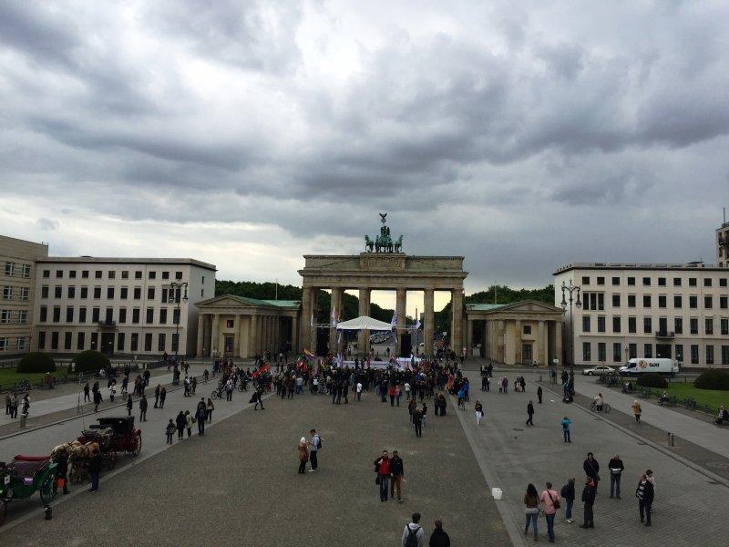 BerlinBrandenburgGate4-17May2015
