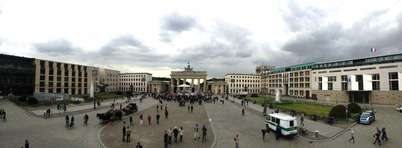 Brandenburg-Gate-Panorama-May-2015